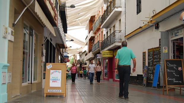 Calle San Sebastián, en pleno centro de Dos Hermanas - L.M.