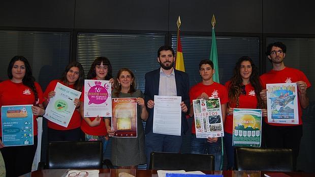 Presentación de las actividades para jóvenes - L.M.