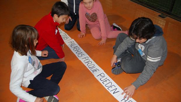 Escolares en una de las actividades desarrolladas / L.M.