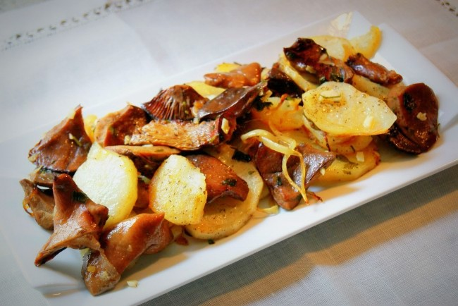 patatas-panadera-con-niscalos
