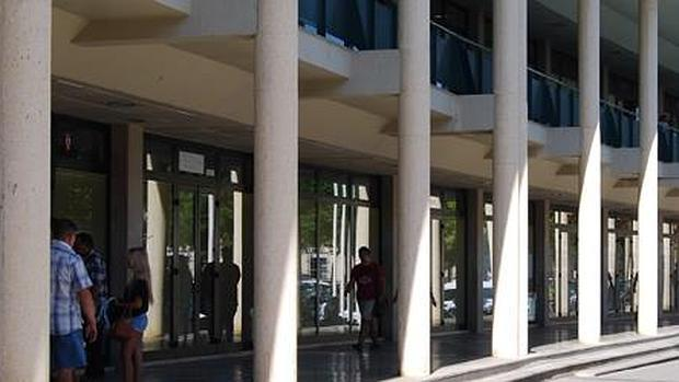 Huerta Palacios, uno de los edificios municipales - L. M.