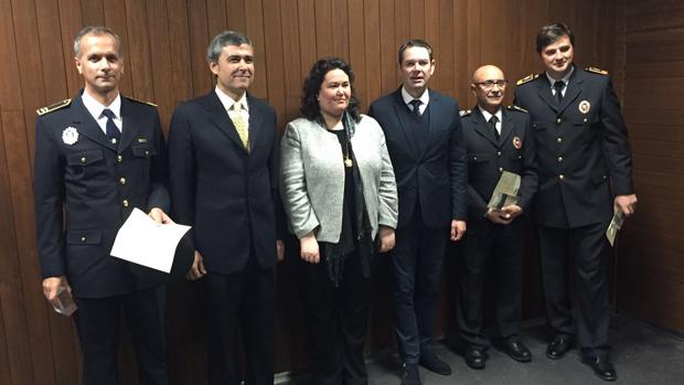 Los premiados, junto a la Esther Gil y Demetrio Pérez / ABC