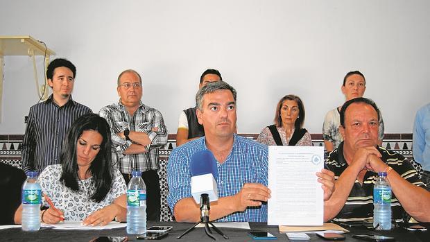 Manuel Varela, durante una rueda de prensa como candidato de Ciudadanos en Dos Hermanas - L.M.