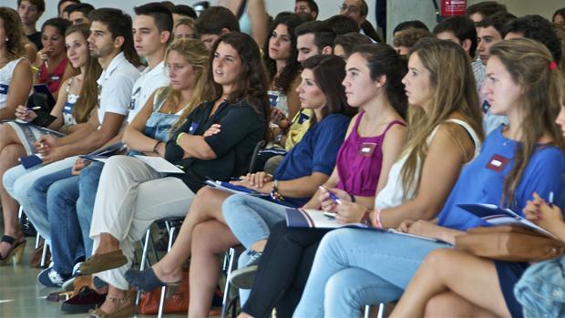 Alumnos en una jornada de la LoyolaABC - ABC