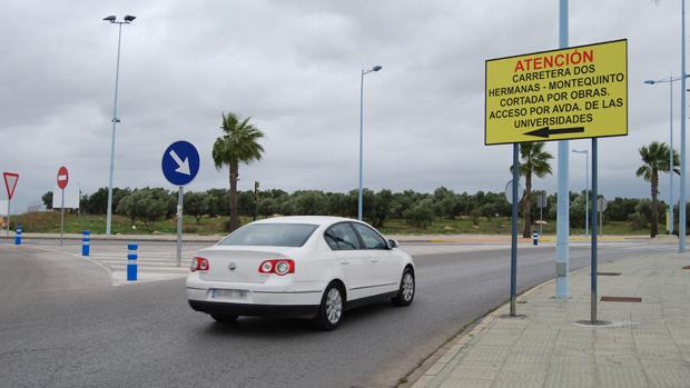 Acceso a la carretera de Montequinto - L. M.