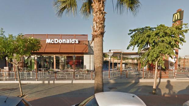 El restaurante McDonald's ubicado en la Ronda Adolfo Suárez de Dos Hermanas - ABC