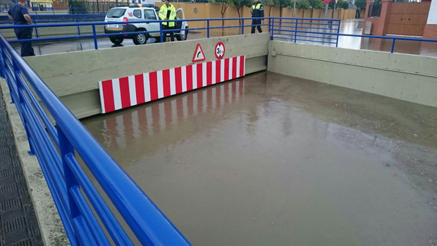 Túnel inundado durante las pasadas lluvias / J.M.L.