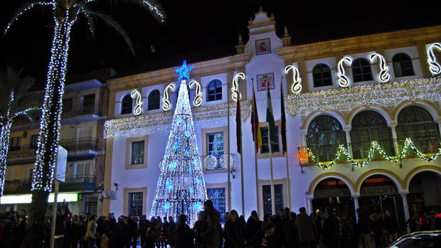 Iluminación navideña en la plaza de la Constitución - L.M.